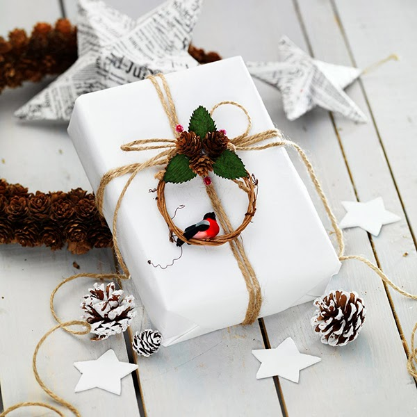christmas gift wrap ideas from panuro hobby pinecones