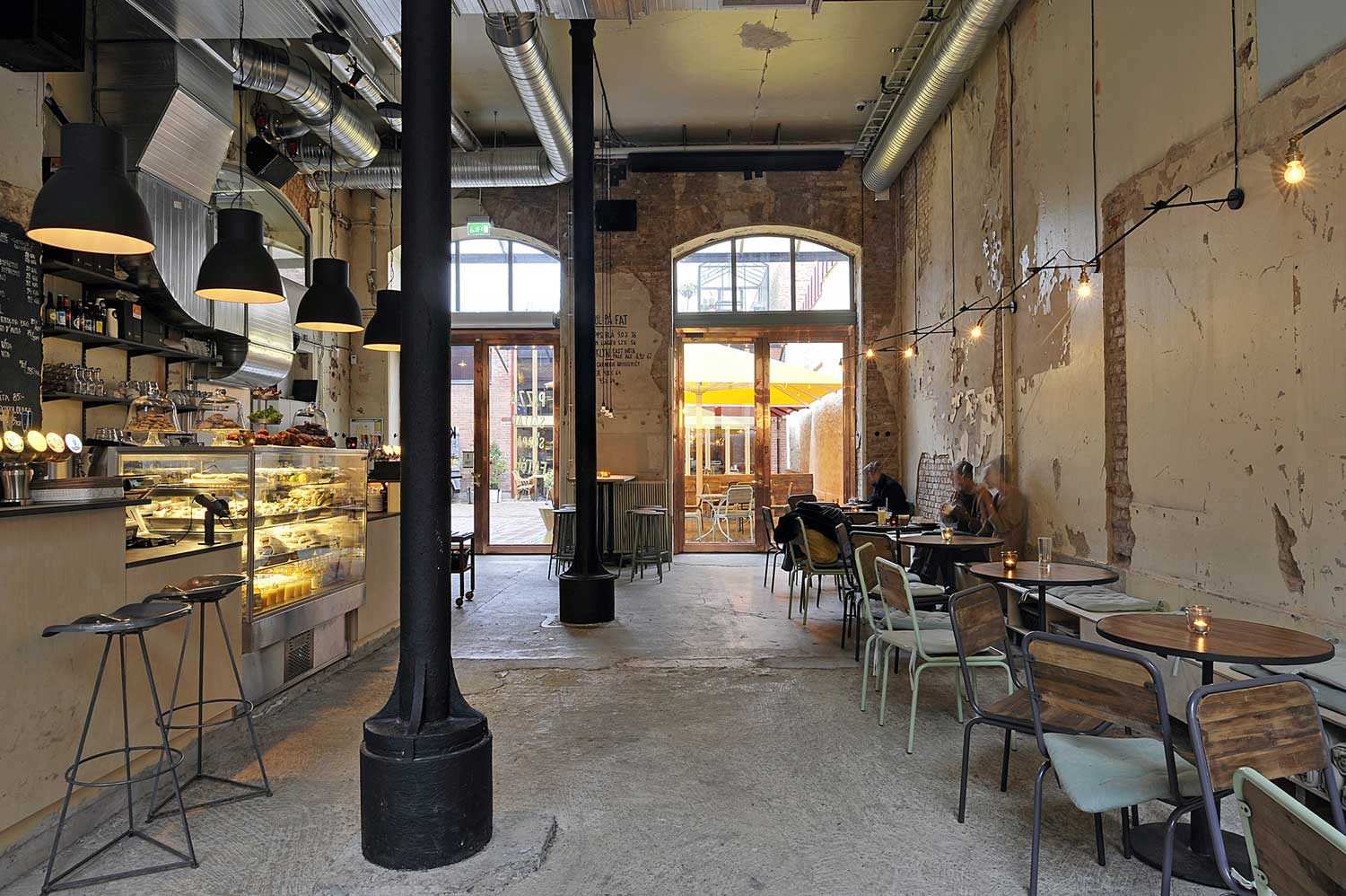 Kafe-Magasinet-by-Robach-Arkitektur-Yellowtrace-01