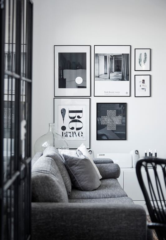 black-and-white-picture-wall