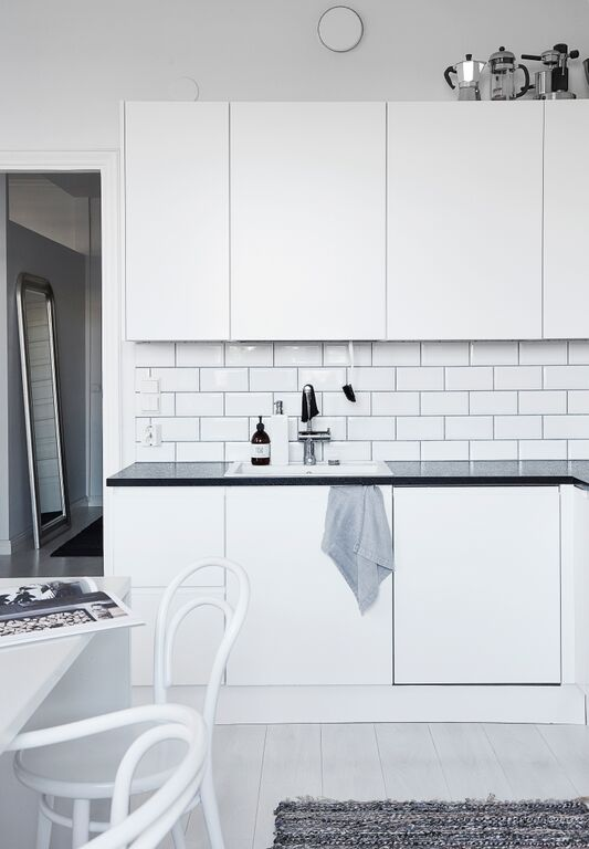 white-kitchen-cabinets-white-subway-tiles