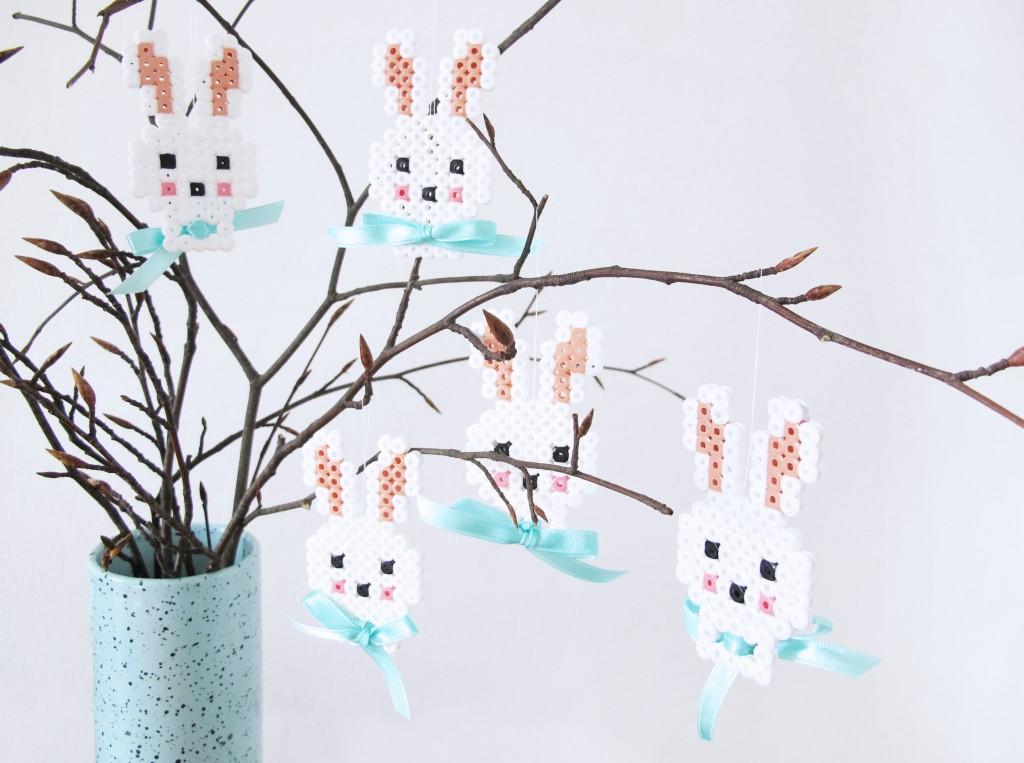 paaske-kaniner-pynt-hama-perler-perleplade-skabelon-motiv-diy-blog-frkhansen-1024×763