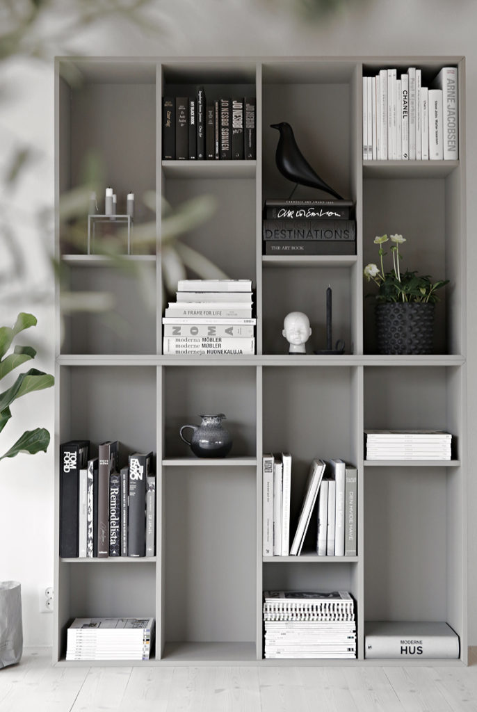 bookshelf_ikea_hack_760